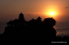 bali-tanah-lot-tempel