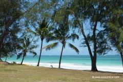 diana-beach-kenia-strand