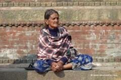 strasse-nepal-frau