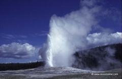 usa-old-faithful-geysir