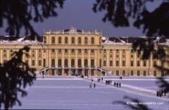 schloss-schoenbrunn-winter