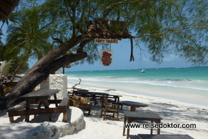 Forty Thieves Bar, Diani Beach