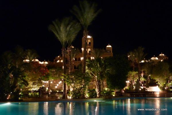 Makadi Palace bei Nacht
