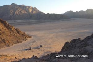 Sonnenuntergang in der Wüste bei Hurghada