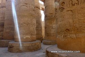 Säulensaal im Karnak Tempel