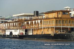 Schiff Sudan in Assuan