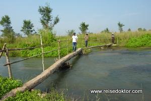 Wanderung im Chitwan Nationalpark Nepal
