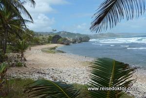 Strand an der Ostküste von Barbados