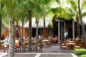 Dinarobin Hotel, Restaurant