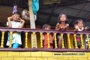 Kinder in Sengkang