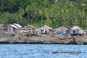 Togian Island Dorf