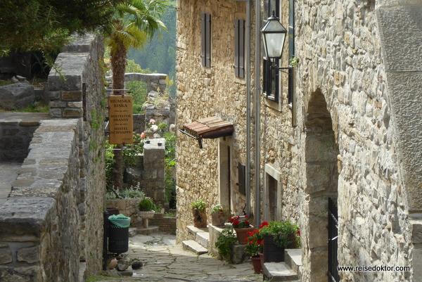 Hum - die kleinste Stadt der Welt