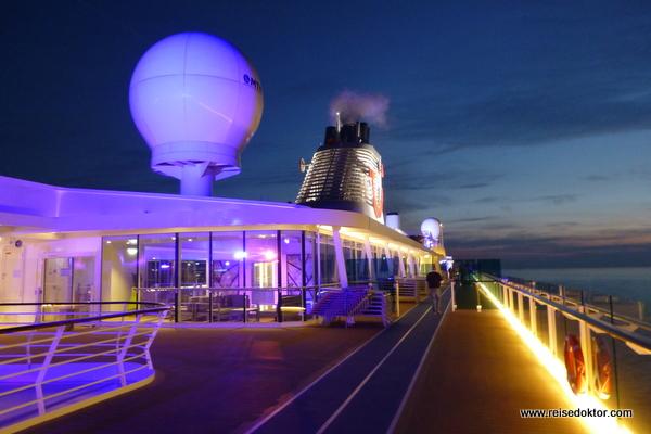 Mein Schiff 4 Nachtansicht