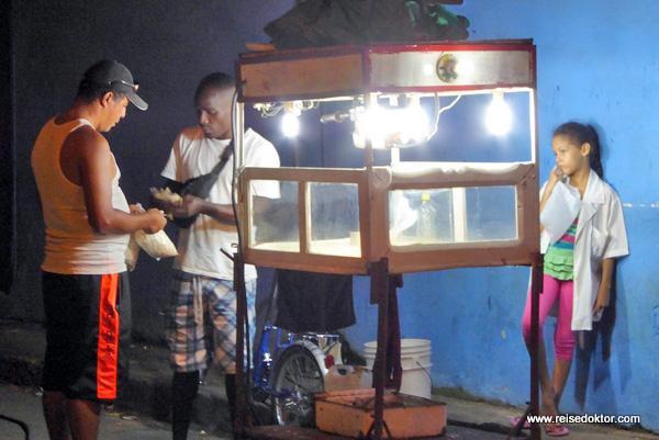 Baracoa bei Nacht