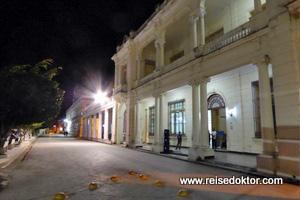 Manzanillo bei Nacht