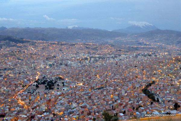 La Paz bei Nacht