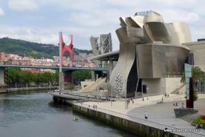 Bilbao - Guggenheim Museum und Kayak Tour