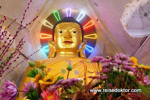 Beleuchteter Buddha