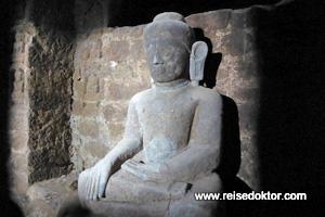 Mrauk U Koe Thaung Tempel