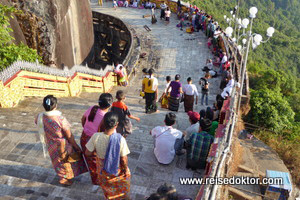 Pilger in Myanmar