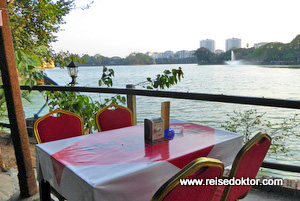 Restaurant Kandawgyi Lake in Yangon