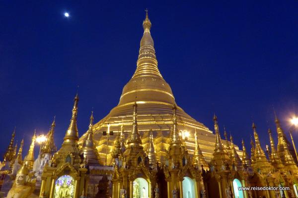 Shwedagon bei Nacht