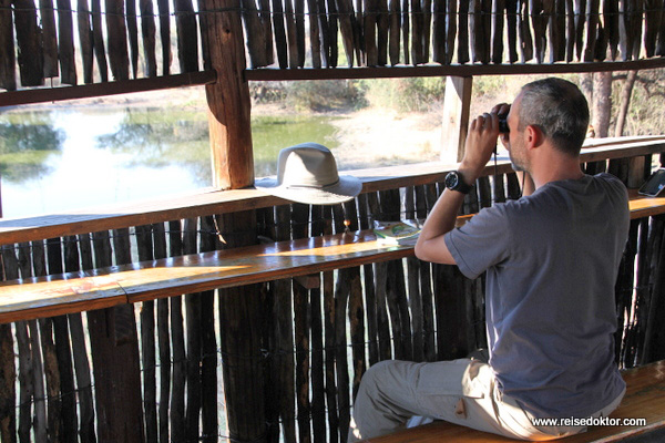 Bird Hide im Khama Rhino Sanctuary
