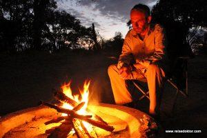 Lagerfeuer Botswana