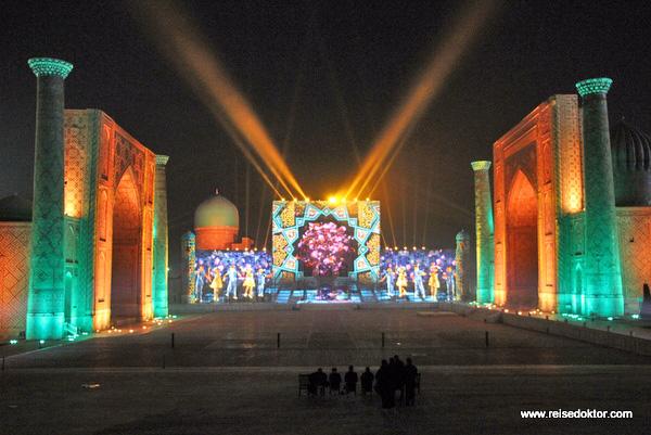 Lichtshow Lasershow in Samarkand