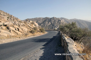 Strasse nach Sharhirsabz
