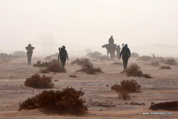 Wüstenwanderer in Marokko